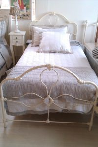 Single Bed, Iron Provincial