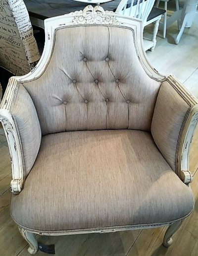 Armchair Louis Style Buttoned linen